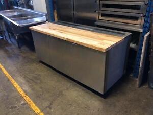 Table de Travail Réfrigérée 6 ', Avec Dessus en Bois, Compresseur à Distance / Refrigerated Wood Top Work Table Remote