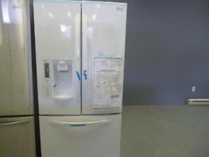 36 - NEUF Frigo Réfrigérateur 33''  LG Refrigerator Fridge NEW  - (Frigidaire)