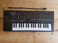 ROLAND JD-XI Digital/Analog Synthesizer and Sequencer
