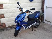 YQ50 Aerox 50cc moped