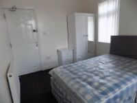 Luxury En-Suite Studio Bedsit, Fully Furnished, All Bills Included - Available Now - No DSS