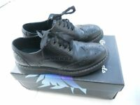 Girls Black Leather Shoes Size UK 6 (39)