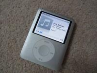 Apple iPod Nano - Silver - MP3 Music Player