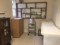 BEAUTY ROOM FOR RENT WITHIN POPULAR NAIL SALON