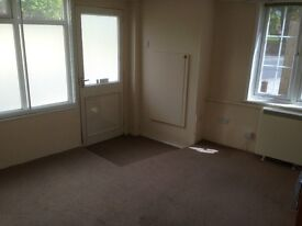 Flat close to Norwich City Centre - Self contained Ground floor flat, suit single person