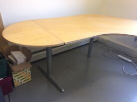 Corner desk (Ikea)
