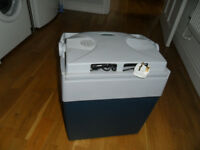 PORTABLE ELECTRIC COOL BOX/FRIDGE