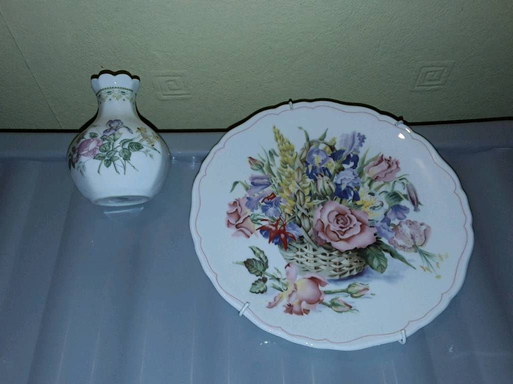 Royal Doulton plate & small vase