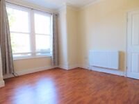 Spacious 3 Bedroom Flat with Garden minutes away from South Ealing Station