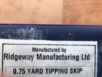0.75 yard tipping skip 750kg load capacity. Net wt 140kg