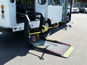 2006 GMC Savana 3500-HANDI-CAP VAN-POWER WHEEL CHAIR LIFT Belleville Belleville Area image 15