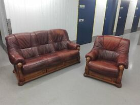 Leather 3 seater sofa settee and armchair chair wooden frame in excellent condition / free delivery