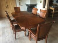 Large dinning table and 6 chairs