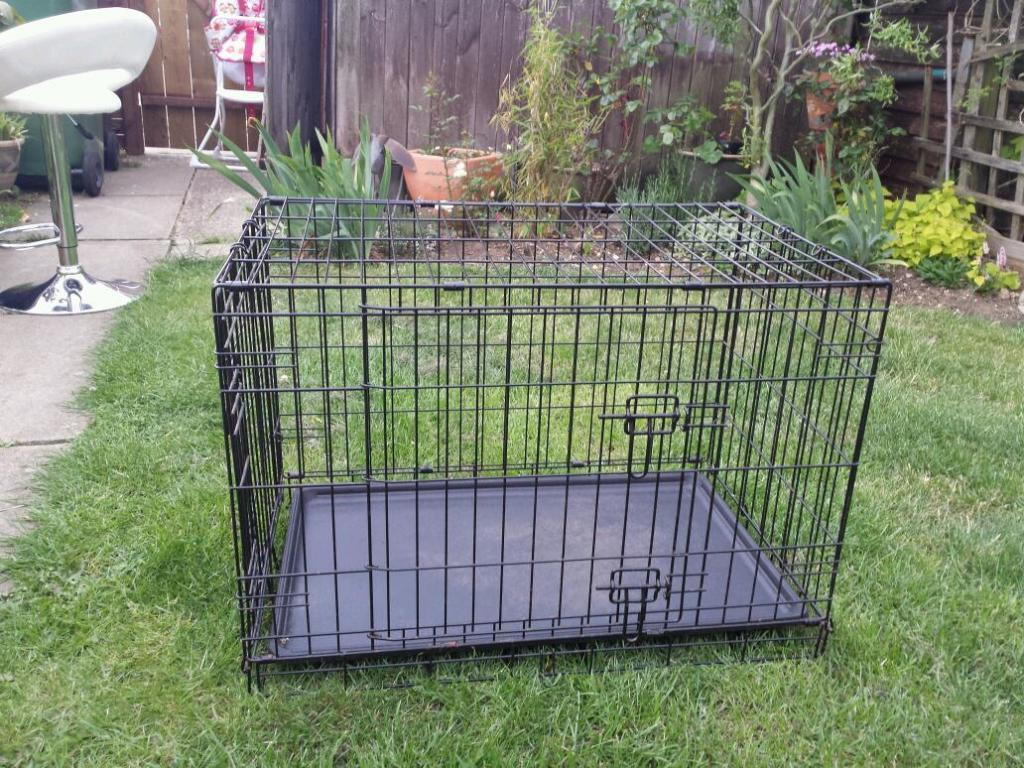 Small dog crate in long stratton norfolk gumtree for Job lot dog crate