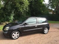 Renault Clio 1.2 dynamique 51 reg lady owner 10 years mot until January 2017 low insurance 48+ mpg