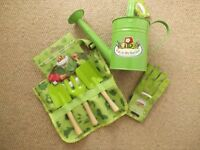 CHILDRENS GARDEN TOOLS SET **NEW AND UNUSED**