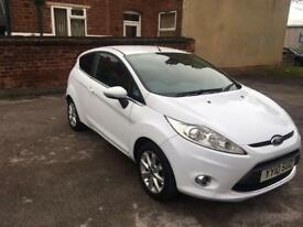 FORD FIESTA 2010 MINT CONDITION