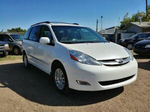 2007 Toyota Sienna XLE Limited 3.5L V6 AWD!! Leather & DVD!!