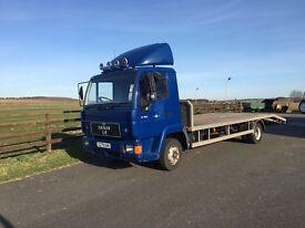 Man beavertail lorry