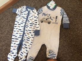 Mickey Mouse baby grows 0-3