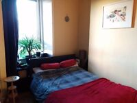 Cosy, bright, double room for rent - £200PM Victoria Road