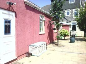 One Bed Bungalow - Bills included