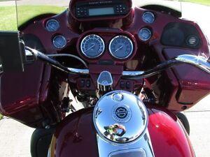 2011 harley-davidson FLTRSE3 CVO  Screamin Eagle 110 ULTRA  Save London Ontario image 17