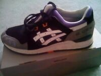MENS ASICS TRAINERS AS NEW SIZE 9 - WILL NOT POST