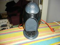DELONGI DOLCE GUSTO COFFEE MAKER