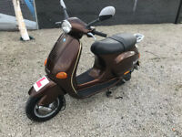 here for sale is a nice VESPA scooter 125 cc Full service History - Long MOT - Piaggio ET4 ped bike