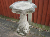 Lovely Garden water feature - birdbath.