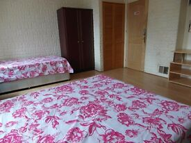 TRIPLE ROOM AVAILABLE NOW ALL BILLS INCLUDED!!
