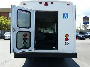 2006 GMC Savana 3500-HANDI-CAP VAN-POWER WHEEL CHAIR LIFT Belleville Belleville Area image 16