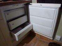 Under counter built in freezer Firenzi FRZ922/1