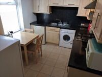 Single room in fully furnished house £50pw no fees no deposit