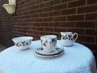 19 piece Royal Grafton Fine Bone China Tea Set