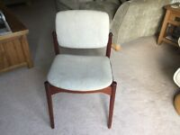 4 retro stile dinning chairs