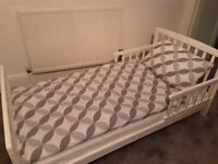 CHILDS TODDLER BED
