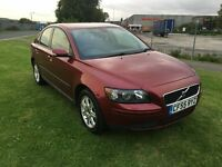 55 REG VOLVO S40 2.0 D SE 4DR-12 MONTHS MOT-LOOKS AND DRIVES REALLY WELL