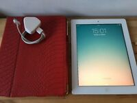 Apple iPad 2 - 16GB WiFi - White - with Griffin Case + USB Charger and Cable - Excellent Condition