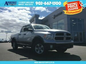 2016 Ram 1500 4X4 - LOW KMS, TOW PACKAGE, BACKUP CAM, BLUETOOTH