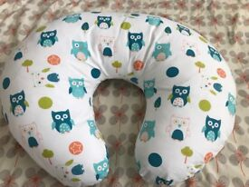 Dreamgenii Donut Breastfeeding Pillow - Excellent Condition