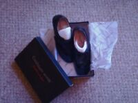 Ladies size 6E brand new cushion walk black shoes still boxed perfect condition velcro strap