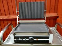 Commercial Electric Large panini grill, contact grill machine catering equipment.