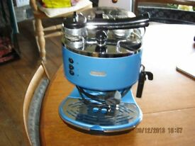 De-Longhi coffee machine Blue with Milk Frother
