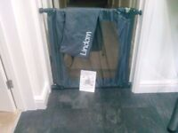 Lindam Flexiguard Safety / Stair Gate in bag with Instructions
