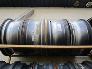 SET OF 4 MATCHING STEEL RIMS USED 17IN FOR FORD PICK UP