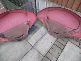 MASSEY FERGUSON 35 WINGS/FENDERS PAIR WITH BRACKETS£60 .ROLL BAR £35