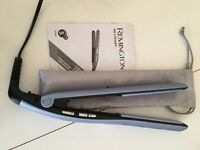 Remington wet 2 dry straighteners complete with carry bag -as new