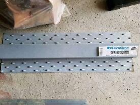 Lintels sk90 900mm keystone